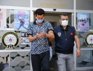 Mersin'de kendisini polis olarak tanıtıp hırsızlık yapan zanlı tutuklandı