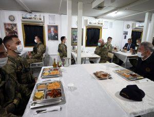 Son Dakika: Bakan Akar: Pençe-Şimşek ve Pençe-Yıldırım operasyonlarında şu ana kadar 44 terörist etkisiz hale getirildi