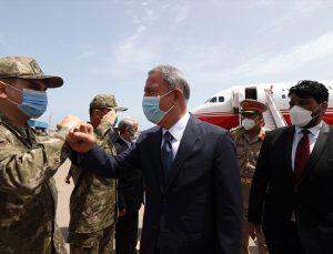 Milli Savunma Bakanı Hulusi Akar Libya'da