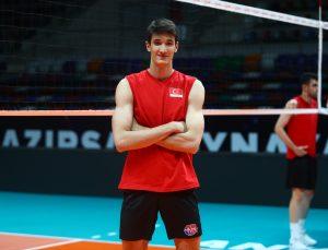 """Milli voleybolcu Efe Mandıracı: """"Hedefimiz tabii ki şampiyon olmak"""""""
