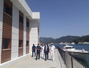 Muğla Valisi Orhan Tavlı, inşaatı süren sahil güvenlik karakolunda incelemelerde bulundu