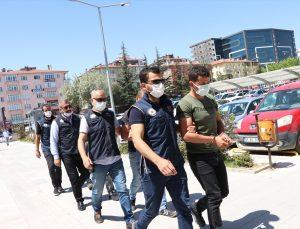 Niğde merkezli FETÖ operasyonunda yakalanan 16 şüpheliden 6'ı adliyede