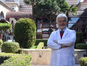 """Osmanlı'nın ilk hastanesi """"Yıldırım Darüşşifası"""" göz hastalarına şifa dağıtıyor"""