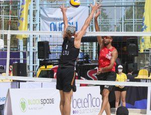 Plaj voleybolunda olimpiyat elemeleri ikinci tur maçları İzmir'de devam ediyor