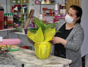 Samsun'da çiçekçiler Anneler Günü dolayısıyla yoğun mesai yapıyor