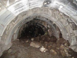 Şanlıurfa'da izinsiz kazıda Roma dönemine ait zindan gün yüzüne çıktı