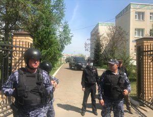 Tataristan'daki bir okulda düzenlenen silahlı saldırıda 1 öğretmen ile 8 öğrenci hayatını kaybetti