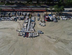 Tekirdağ'da küçük tekne balıkçıları deniz salyası nedeniyle denize açılamıyor