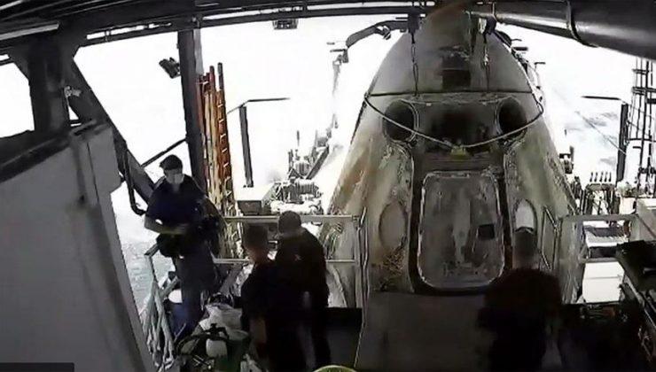SpaceX'in 4 astronotu taşıyan kapsülü Dünya'ya döndü
