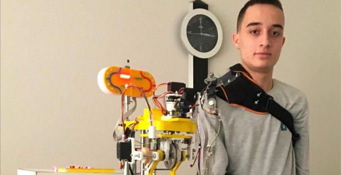 Uğur Okulları öğrencisi Artun Özsoy Uluslararası Bilim Proje Olimpiyatı'nda dünya birincisi oldu
