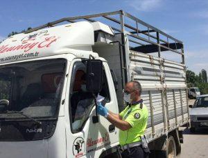 Tire'de jandarma trafik timleri, servis sürücüleri ve işçileri bilgilendirdi