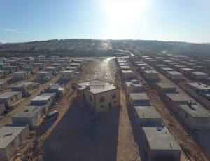 Türk sivil toplum kuruluşları Suriye'de briket evlerden oluşan kamp inşa etti