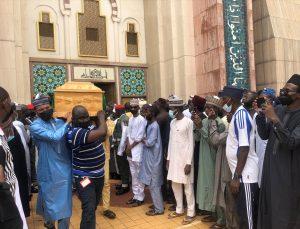 Uçak kazasında ölen Nijerya Kara Kuvvetleri Komutanı Attahiru son yolculuğuna uğurlandı