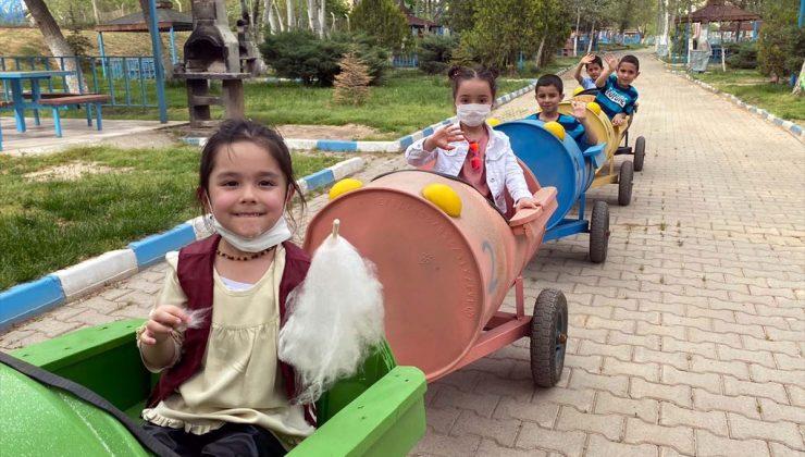 """Yahşihanlı çocuklar atık malzemelerden yapılan """"tırtıl tren"""" ile eğlenecek"""