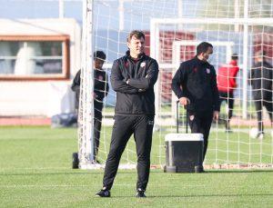 """Samsunspor Teknik Direktörü Sağlam: """"Üst lige çıkmayı hak ettik"""""""