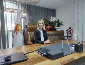 """HDP LOGOSUNA """"HEMEN ŞİMDİ TÜRK BAYRAKLARINA """"BEKLE ŞİMDİ!"""""""