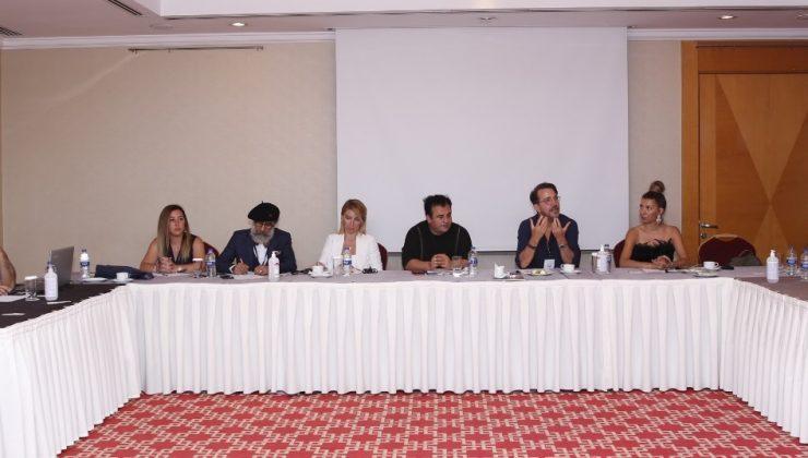 """Ulusal Model Yarışmasının İlk Elemeleri """"Fuarların Başkenti"""" İzmir'de Gerçekleşti."""