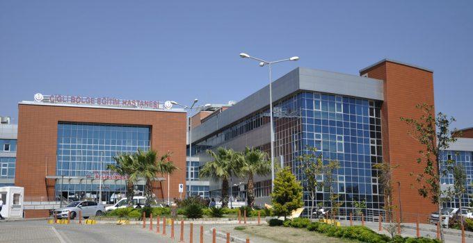İzmir Bakırçay Üniversitesi Çiğli Eğitim ve Araştırma Hastanesi Covid-19 Aşı işlemleri kusursuz şekilde sürdürülüyor.