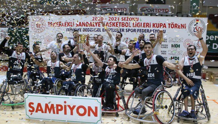 17 yıl sonra kupa yeniden İzmir'e geldi