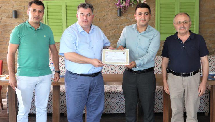 Kınık'ta İlçe Tarım ve Orman Müdürlüğü çalışanlarına başarı belgesi Verildi