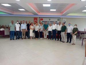 İYİ Parti İzmir İl Teşkilatı saha çalışmalarına devam ediyor.